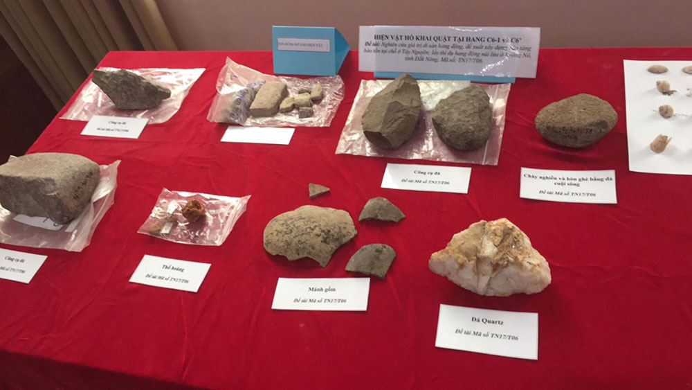 Việt Nam tìm thấy di cốt người cách đây 7.000 năm trong hang động núi lửa